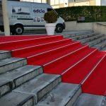 Lauko kilimai, raudonas kilimas, interjero dizainas